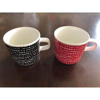 マリメッコ(marimekko)の【新品 ペアマグ】マリメッコ ラシィマット マグカップ2個セット (グラス/カップ)
