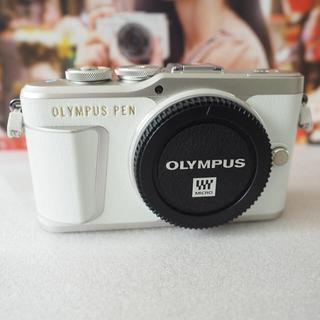 オリンパス(OLYMPUS)のレリーズ650極美品 オリンパス PEN E-PL9 ボディー ホワイト おまけ(ミラーレス一眼)