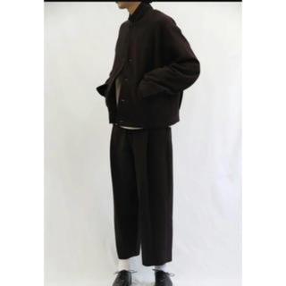 コモリ(COMOLI)のuru 18aw  パンツ(スラックス)