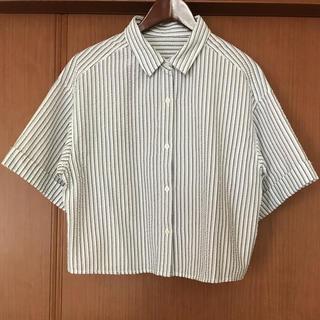 ジーユー(GU)の【GU】新品未使用 ストライプ 半袖シャツ(シャツ/ブラウス(半袖/袖なし))
