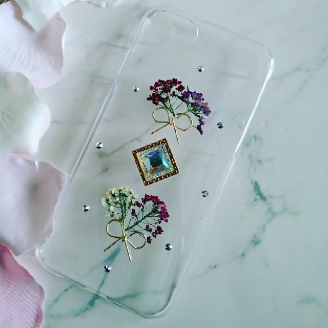 bt21 iphone8 ケース 、 iPhoneケース ハンドメイド アリッサムの押し花の通販 by RSI's shop|ラクマ