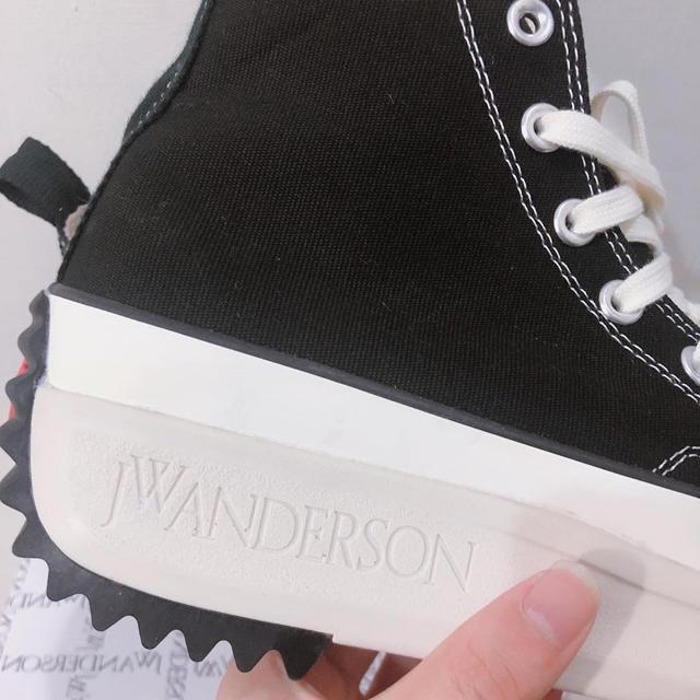 J.W.ANDERSON(ジェイダブリューアンダーソン)の偽物について  メンズの靴/シューズ(スニーカー)の商品写真