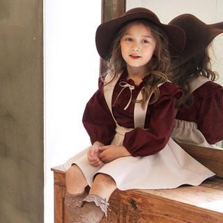 【訳あり】韓国子供服 刺繍 フレアスカート×フリルブラウス セットアップ 110(ワンピース)