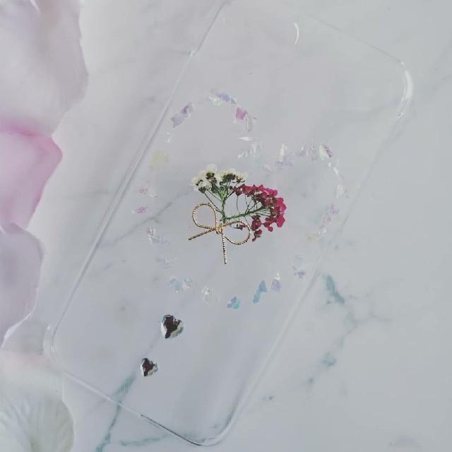 iPhoneケース ハンドメイド ネオンフレークの中のアリッサムの押し花の通販 by RSI's shop|ラクマ