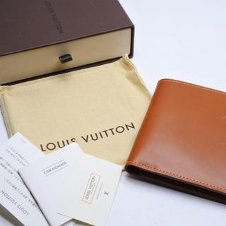 c565476cc712 ルイヴィトン(LOUIS VUITTON)のルイヴィトン ポルトフォイユ マルコ 二つ折り 財布 コンパクト ノマド