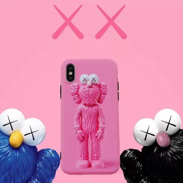 ♡新入荷♡ kaws フィギュア iPhone ケースの通販 by Annの雑貨's shop|ラクマ