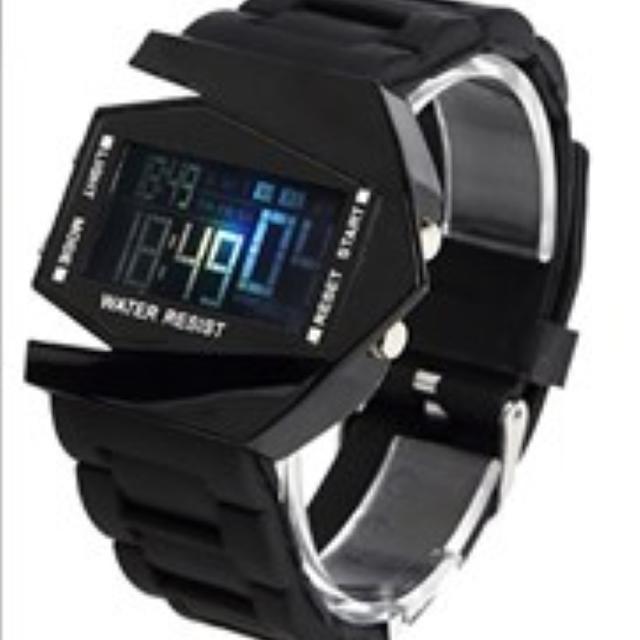 ★多機能★ デジタル腕時計 防水 アラーム サバゲーにおすすめ!の通販 by JELLY. Co.Ltd.|ラクマ