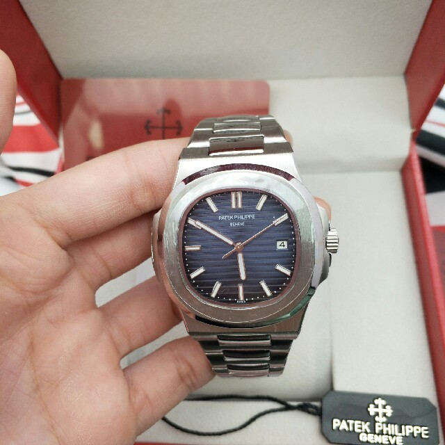 PATEK PHILIPPE - Patek Philippeノーチラス 5711/1A メンズ 腕時計自動巻き の通販 by GFTFD's shop|パテックフィリップならラクマ
