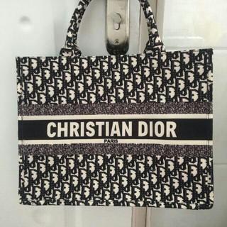 クリスチャンディオール(Christian Dior)の正規品 Christian Dior ディオール ブックトートスモール(トートバッグ)