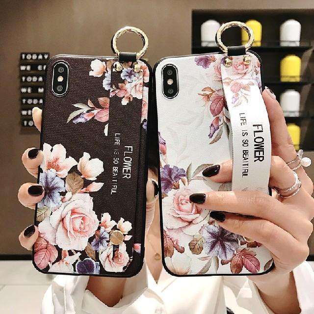 iPhoneXR専用ケース ハンドベルト付きの通販 by HIRO's shop|ラクマ