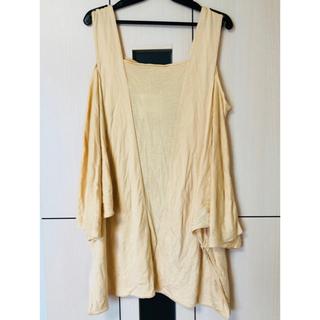 スライ(SLY)の新品タグ付 SLY オープンショルダーカットソー スライ(Tシャツ(半袖/袖なし))