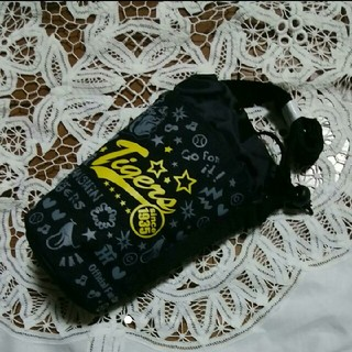ハンシンタイガース(阪神タイガース)の阪神タイガース 黒ペットボトルホルダー【未使用】(応援グッズ)