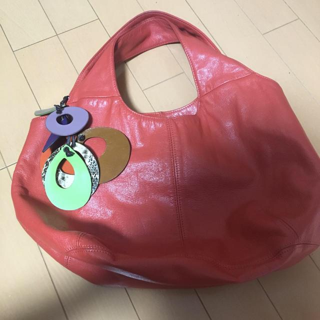 PAPILLONNER(パピヨネ)のトートーバック:レザー(牛革) レディースのバッグ(トートバッグ)の商品写真