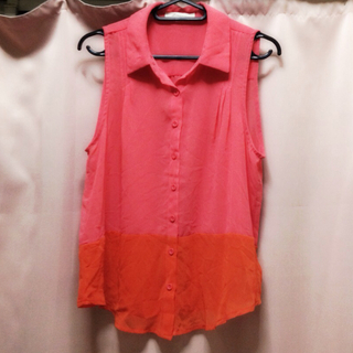フォーエバートゥエンティーワン(FOREVER 21)のシャツ/取り置き中(シャツ/ブラウス(半袖/袖なし))