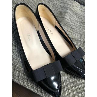 ダイアナ(DIANA)のダイアナ 黒 エナメル リボン ローファー(ローファー/革靴)