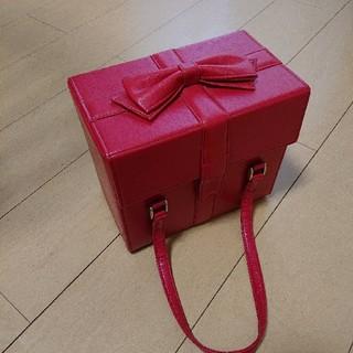 エミリーテンプルキュート(Emily Temple cute)のエミキュ プレゼントボックス型バニティバッグ(ハンドバッグ)
