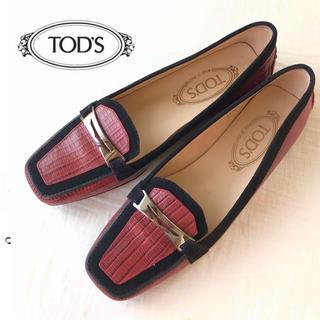 トッズ(TOD'S)のcoco♡様 6日までお取り置き 美品 TOD'S レザー プレート付ローファー(ローファー/革靴)
