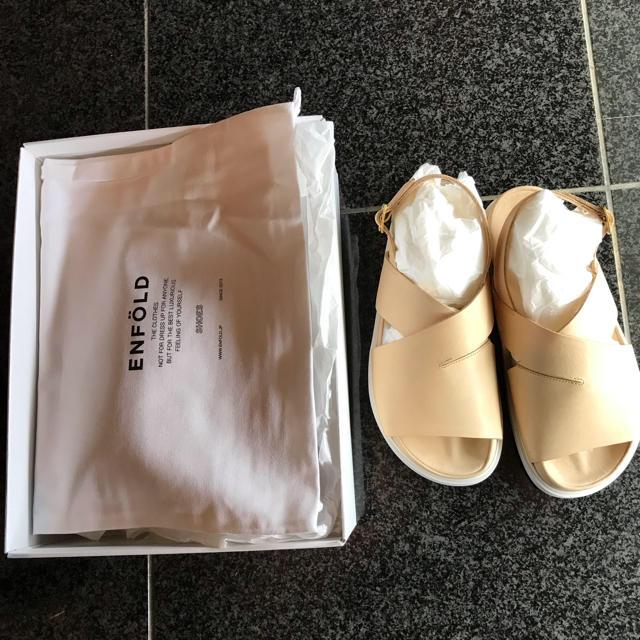 ENFOLD(エンフォルド)の新品未使用⭐️Enfold サンダル ベージュ レディースの靴/シューズ(サンダル)の商品写真