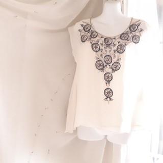 グレースコンチネンタル(GRACE CONTINENTAL)の◾MAO様専用 二点購入グレースコンチネンタル刺繍ブラウスホワイト(シャツ/ブラウス(半袖/袖なし))