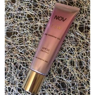 ノブ(NOV)のNOV デイエッセンス UV(化粧下地)