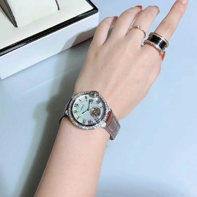 クロノスイス 時計 コピー 激安大特価 / 【新品】カルティエ Cartier時計レディースウォッチ の通販 by Rock's shop|ラクマ