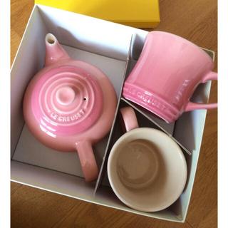 ルクルーゼ(LE CREUSET)の新品未使用ル・クルーゼ ストーンウェア ティーポット&マグカップSS ピンク(マグカップ)