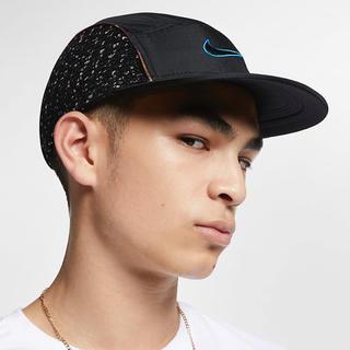 シュプリーム(Supreme)のSupreme Nike cap Boucle Running HAT 新品(キャップ)