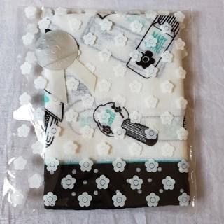 マリークワント(MARY QUANT)のMARY QUANT コスメ柄ハンカチ 白×黒×グリーン(ハンカチ)