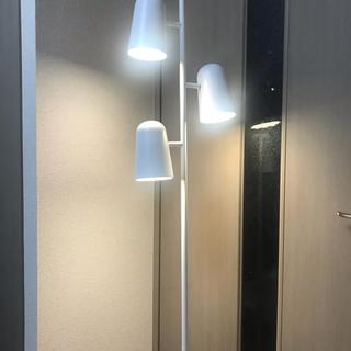 イケア(IKEA)のルームライト(フロアスタンド)