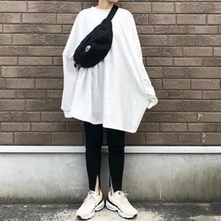 ビームス(BEAMS)の新品 タグ付き reca ボリューム袖ビッグシルエットワンピース ビームス(カットソー(長袖/七分))