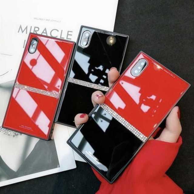 iPhoneXR 背面ガラス スクエア ラインストーン レッド×ブラックの通販 by yuntan'shop|ラクマ