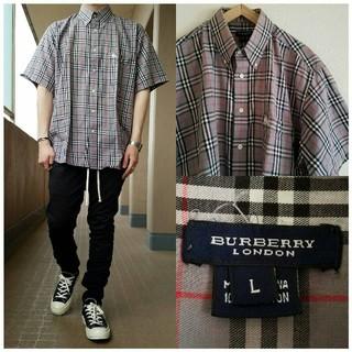 バーバリー(BURBERRY)のBURBERRY LONDON ワンポイント刺繍 BD ボタンタウン半袖シャツ(シャツ)