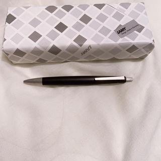 ラミー(LAMY)のラミー2000 4色ボールペン(ペン/マーカー)