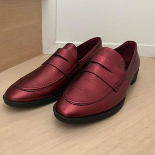 ザラ(ZARA)の! ワインレッド ZARA メタルレッド 赤系 ローファー 37(ローファー/革靴)