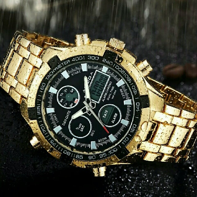 ゴールド 高級メンズスポーツクォーツ腕時計 アナログ デジタル表示 防水 金 の通販 by レノン773's shop|ラクマ