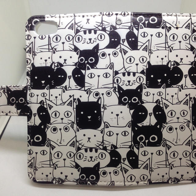 iphone 8 ケース 着せ替え 、 新品送料無料手帳型iPhoneケース 猫の詰め合わせの通販 by ゴリラ's shop|ラクマ