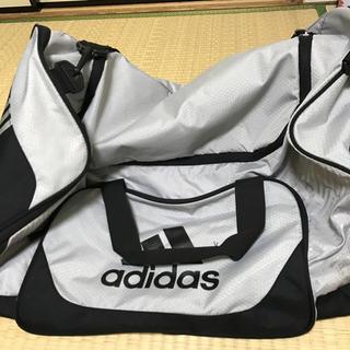 アディダス(adidas)のsaya様専用adidas☆ボストンバック大☆シルバーandブラック(ボストンバッグ)