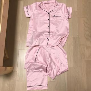 ジーユー(GU)のGU サテンパジャマ Lサイズ(パジャマ)