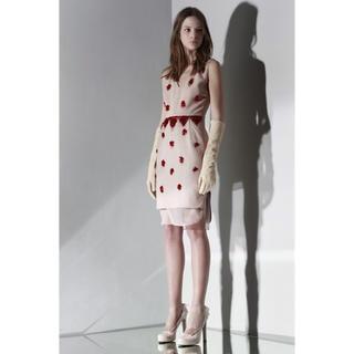 ヌメロヴェントゥーノ(N°21)のN°21ヌメロヴェントゥーノビジュー装飾裾シフォンドレス未使用サイズ44(ひざ丈ワンピース)