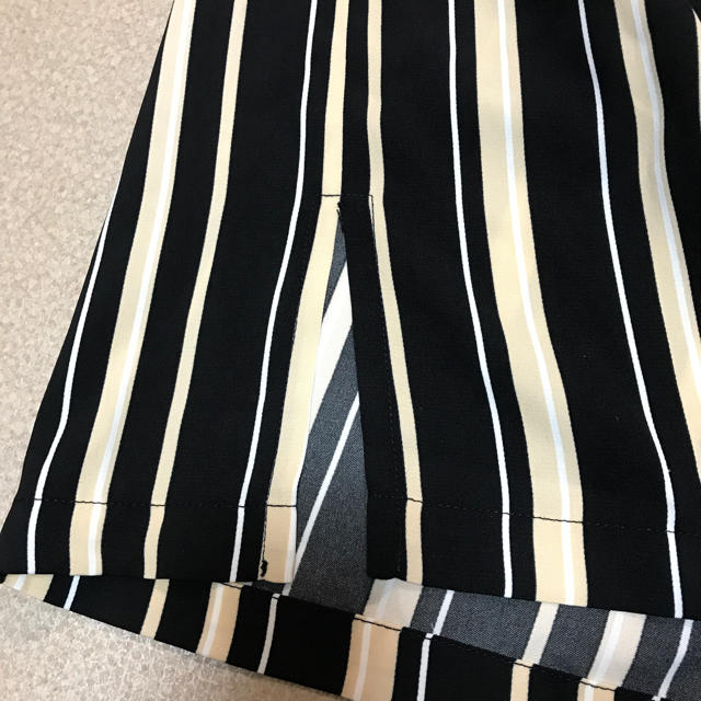しまむら(シマムラ)のストライプ ワイド ガウチョ パンツ レディースのパンツ(カジュアルパンツ)の商品写真