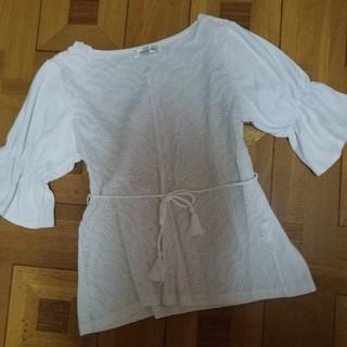 シマムラ(しまむら)の刺繍レーストップス(カットソー(半袖/袖なし))