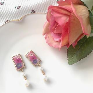 ワンアフターアナザーナイスクラップ(one after another NICE CLAUP)の- glitzy flower earring -(イヤリング)