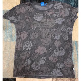 アディダス(adidas)のアディダス花柄t(Tシャツ/カットソー(半袖/袖なし))