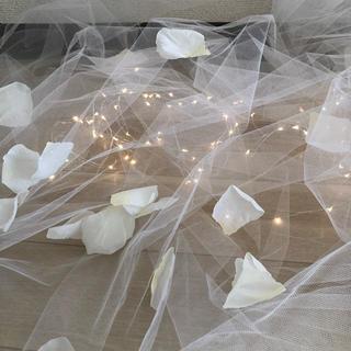 イケア(IKEA)のチュール+LEDライトチェーン+花びらセット(ウェルカムボード)