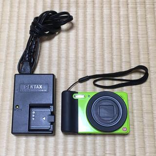 ペンタックス(PENTAX)のPENTAX デジカメ (ライムグリーン) 本体+充電器 (ペンタックス)(コンパクトデジタルカメラ)