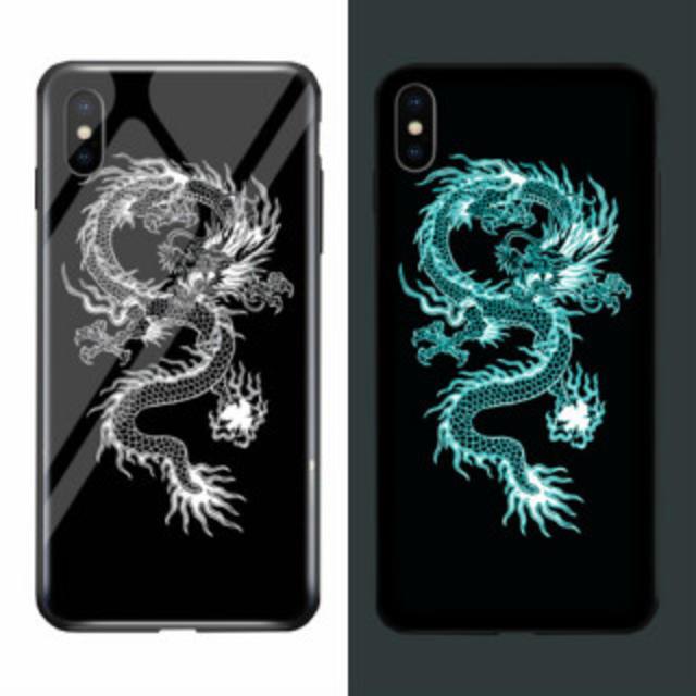 iPhone XR ケース キラキラ 夜光効果 TPU 耐衝撃 ドラゴン カバーの通販 by オコジョ's shop|ラクマ