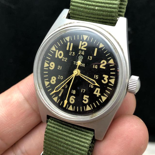 クロノスイス 時計 コピー 携帯ケース | チュードル TUDOR military ミリタリー アーミーの通販 by abes |ラクマ