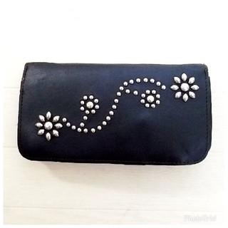 エイチティーシーブラック(HTC BLACK)の★63%オフ★HTCフラワースタッズロングウォレット 財布(長財布)