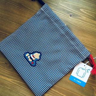 ファミリア(familiar)のfamiliar 巾着 コップ袋 マグポーチ 新品(ランチボックス巾着)