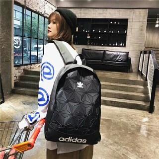 アディダス(adidas)の ★大人気★A didas&三宅の一生アディダスオリジナルスバックパッ(バッグパック/リュック)